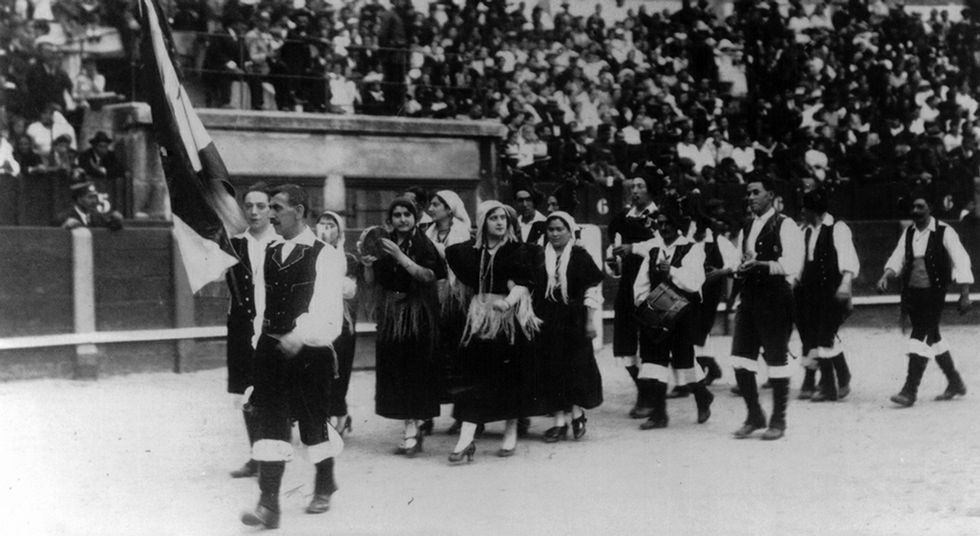 Foto histórica del coro Cantigas e Aturuxos, al que se homenajea en Lugo