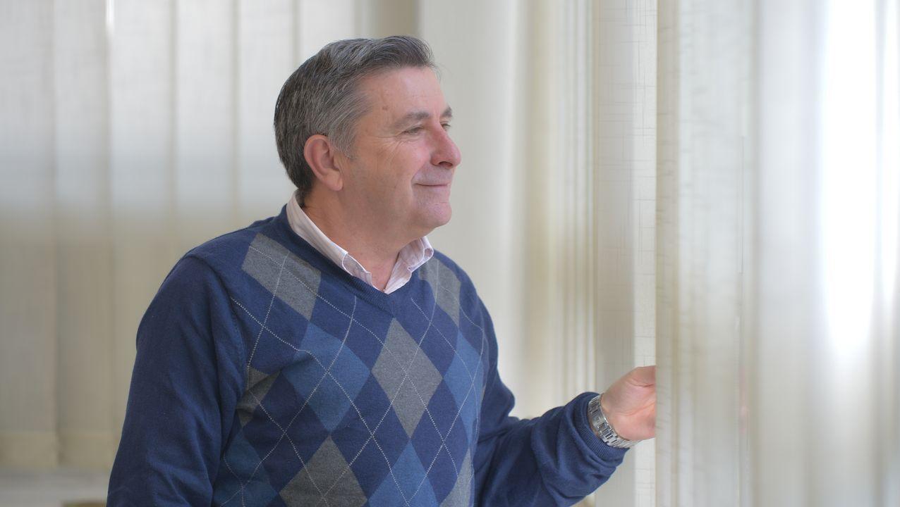 Sánchez carga contra Núñez Feijoo por «esconder» las siglas del PP.Reunión entre el PP de Galicia y Asturias