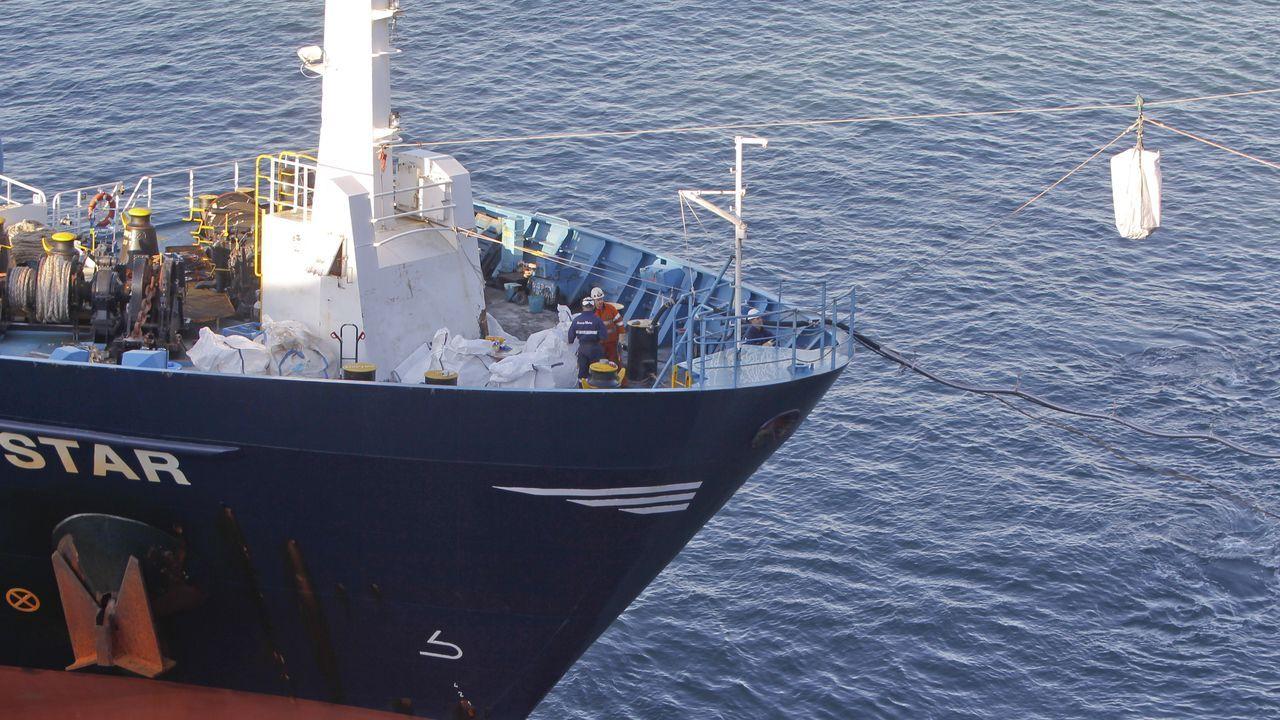El homenaje por el 25.º aniversario del Dispositivo de Separación de Tráfico Marítimo.Uno de los remolcadores que participará en el reflotamiento del Blue Star