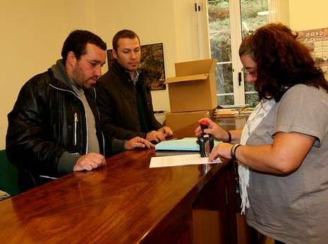 Ayer se presentaron 1.400 firmas a favor de la unión.