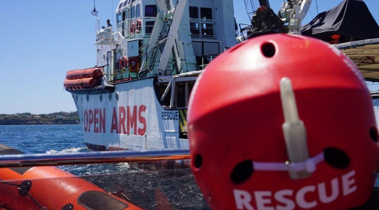 Los meses más duros de Luis Enrique.Las Fuerzas Armadas de Malta difundieron las imágenes del rescate de la lancha neumatica con un superviviente y un cadaver