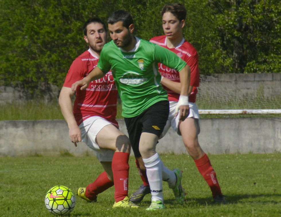 Brollón y Quiroga disputaron un derbi intenso.