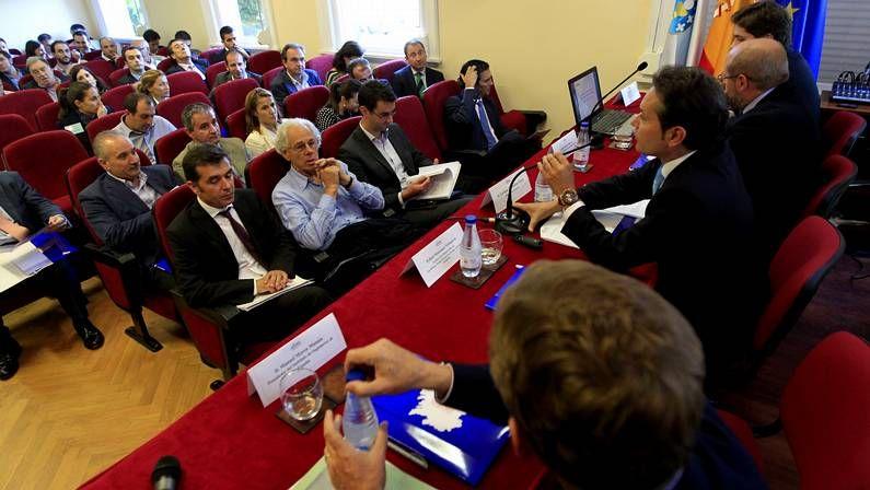 El debate sobre el estado de la autonomía en imágenes.Gamesa tiene 172 trabajadores en As Somozas.
