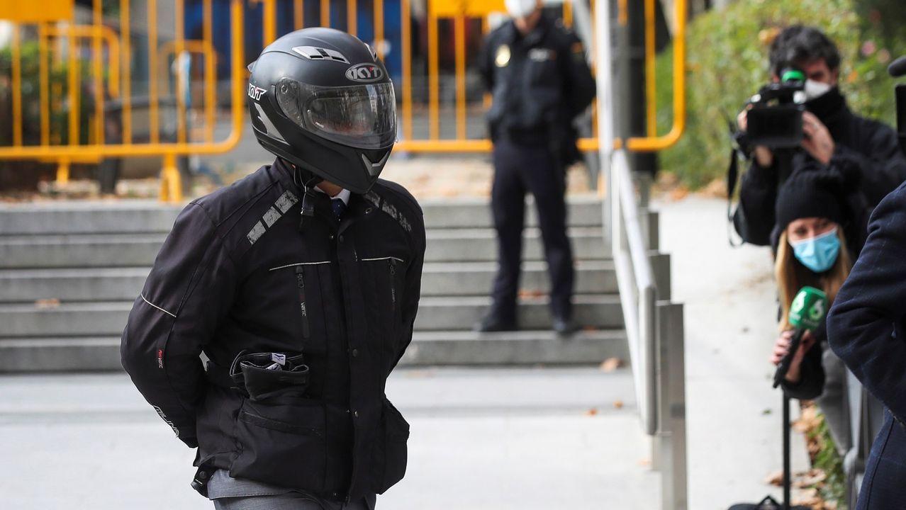 El exchófer de la familia Bárcenas, Sergio Ríos, a su llegada, este miércoles, a la Audiencia Nacional