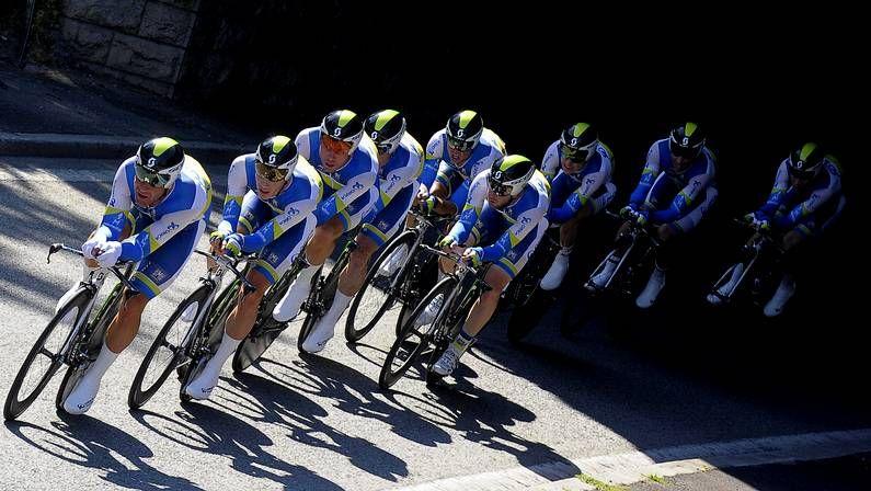Decimoprimera etapa del Tour de Francia.El equipo Orica, durante la contrarreloj