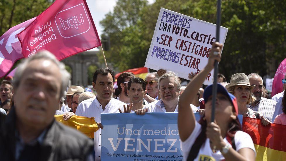 Albert Rivera: «Aquí se mete gente en la cárcel por su opinión política».Rivera y el líder opositor venezolano, Henrique Capriles