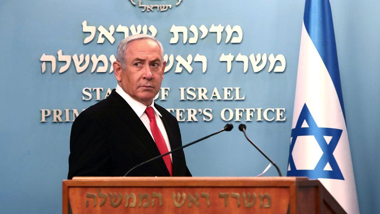 Netanyahu se mantiene al frente del Gobierno a pesar de estar, no solo en funciones desde hace un año, sino también acusado por corrupción
