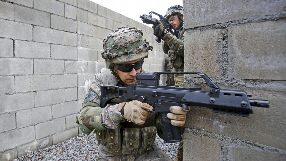 La aldea afgana da paso a un polígono de instrucción militar