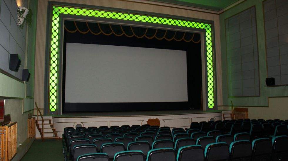 Encendido del alumbrado navideño en O Barco.A día de hoy el único cine comercial abierto en Valdeorras está en el centro cultural Avenida de A Rúa