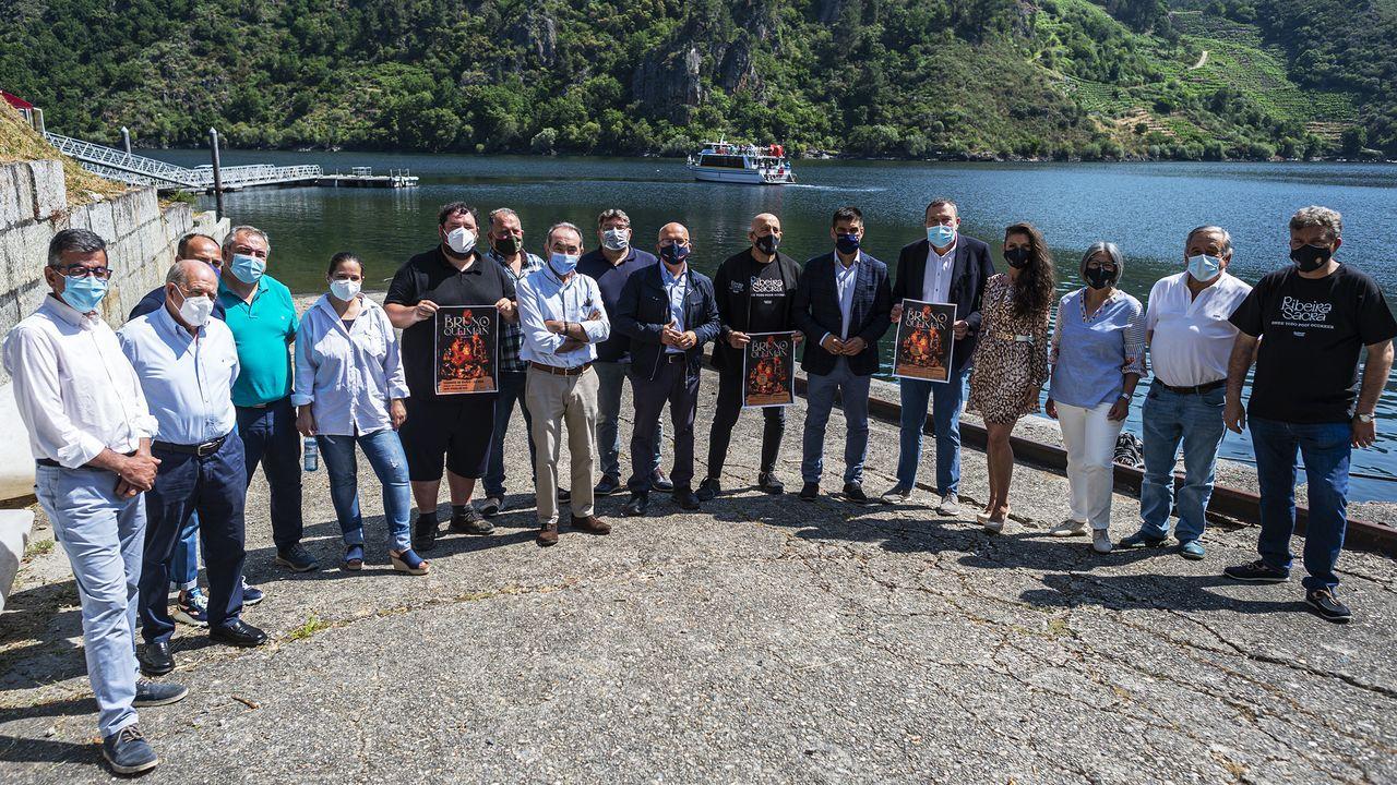 Estos son los diez Soletes de Repsol ourensanos.Gabriel Alén visitó el CEIP de Luíntra, en Nogueira de Ramuín