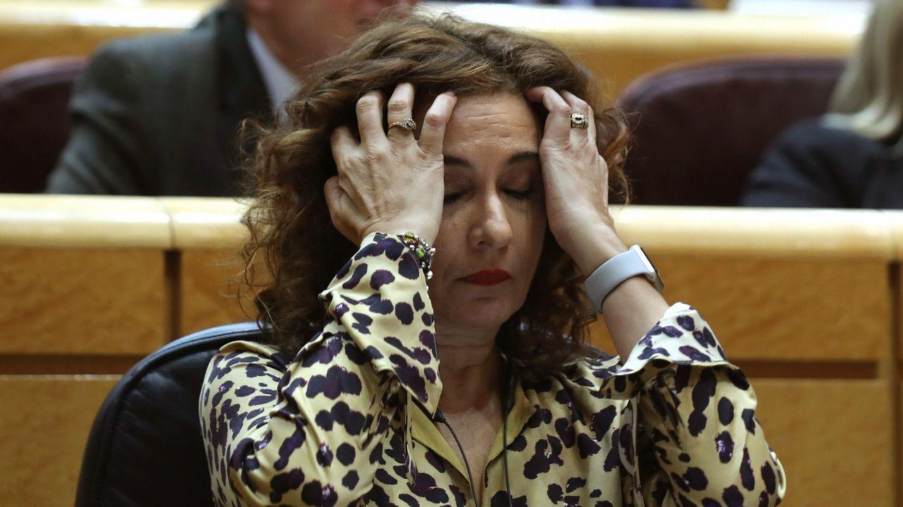 VOX pone la derogación de las ayudas contra la violencia de género como condición al pacto en Andalucía.Cartel electoral del PSOE con los candidatos a las generales de 2016, ante el Pozo Carrio