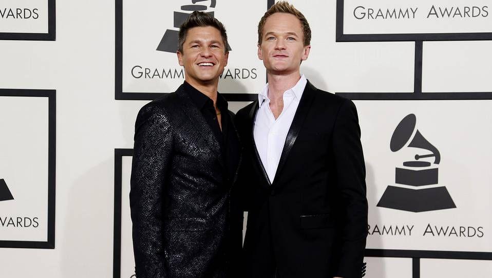 David Burtka y su marido, Neil Patrick Harris, que presentó la última gala de los Emmy.
