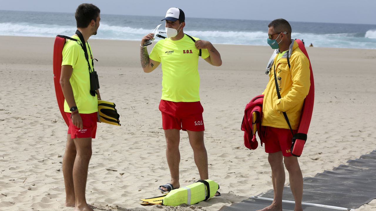 Los vigilantes de la playa de A Frouxeira, en Valdoviño, se incorporaron el día 1 de julio
