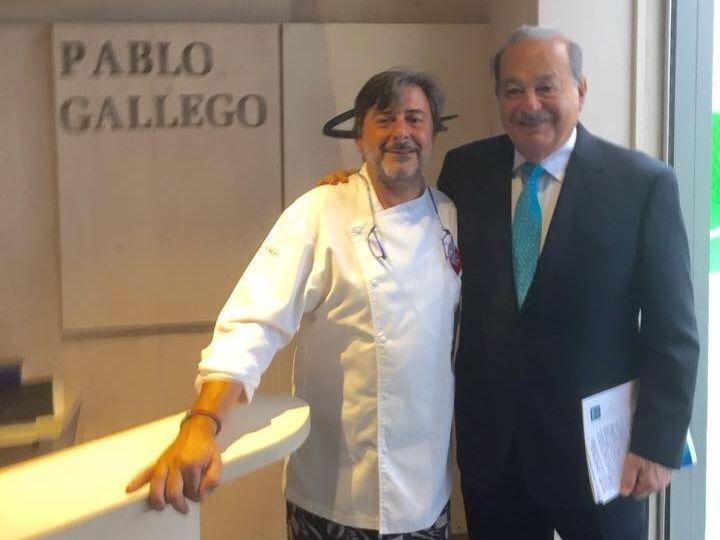 Un grupo de universitarios sabotea un acto de Felipe González.El empresario Carlos Slim aprovechó su visita a A Coruña para conocer el restaurante de Pablo Gallego.