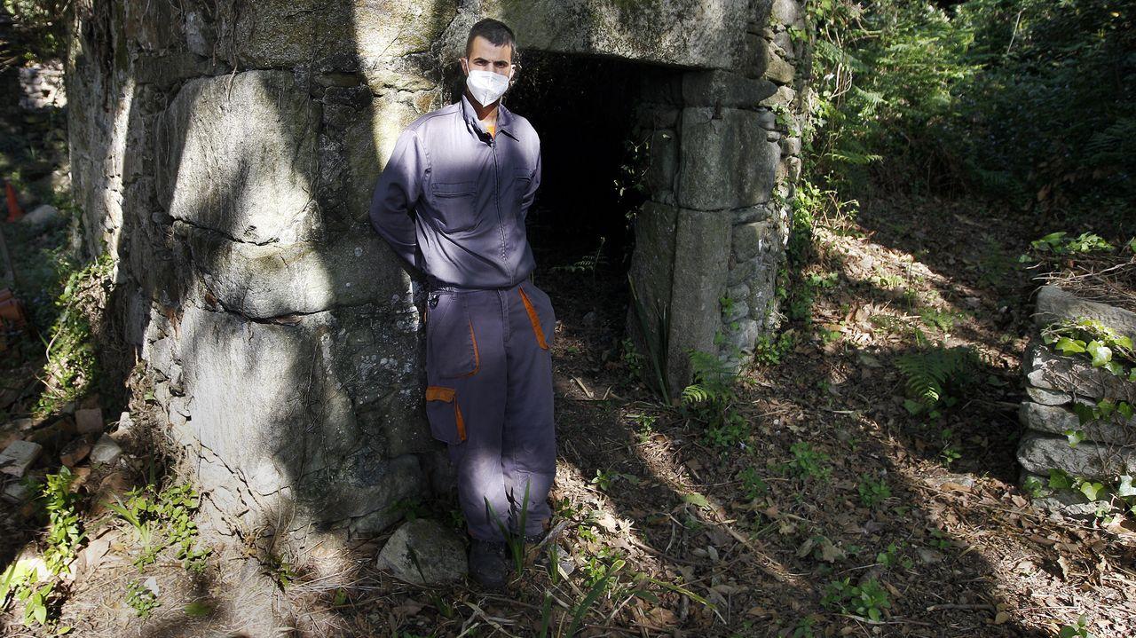 Daniel se siente especialmente orgulloso del trabajo de limpieza del antiguo poblado de la isla