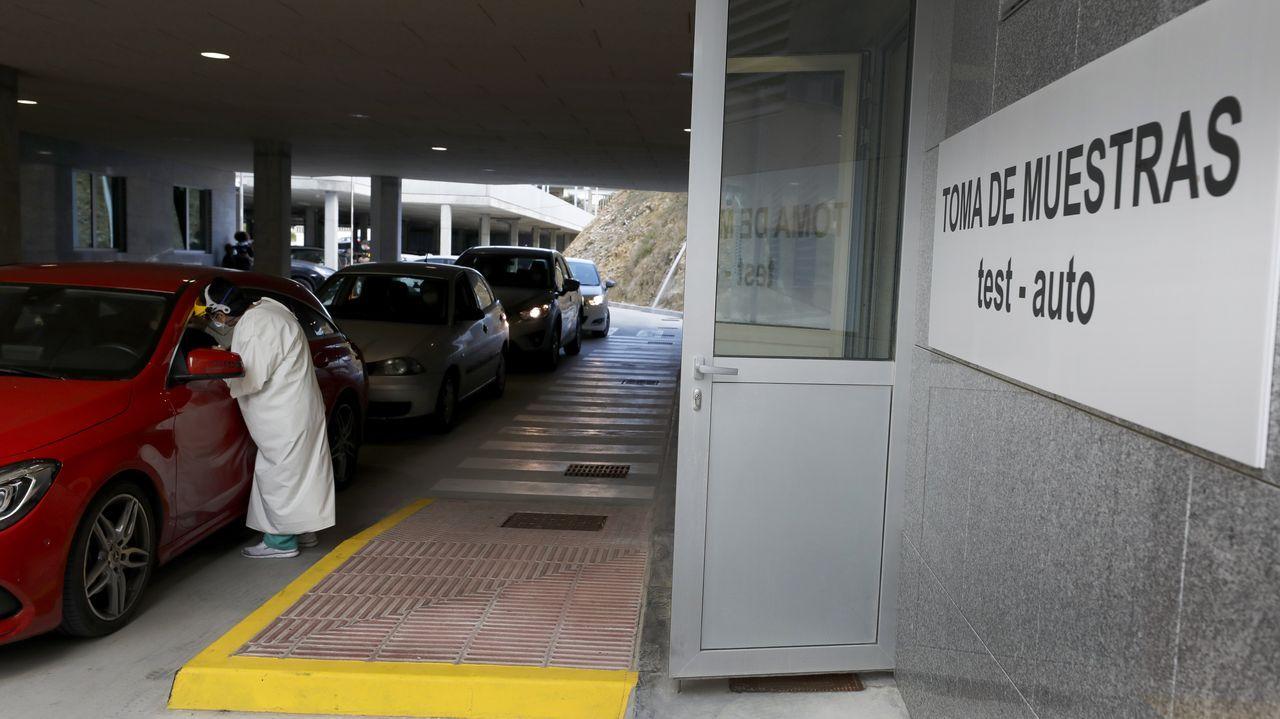 Más de 4.600 PCR se ha realizado desde el 23 de junio en el Hospital da Mariña, en la imagen de archivo