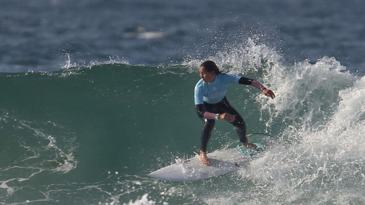 Las mejores imágenes del Pantín Classic.Lucia Pita comanda junto a su hermano Carlos la tienda de surf Drop In, inaugurada el pasado mes de noviembre en Catabois