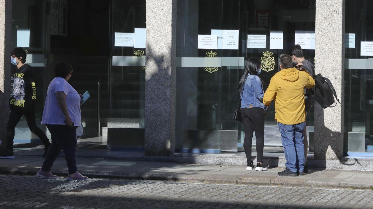 Control de la Policía Local de Narón en Freixeiro en abril, en pleno estado de alarma