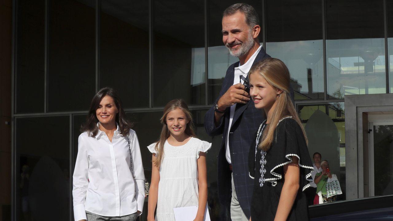 La reina Letizia y la princesa Leonor visitan a don Juan Carlos en el hospital.Juan Luis Nuñez