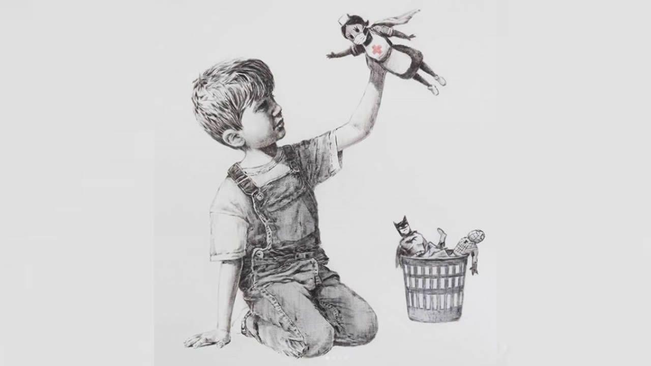 Homenaje de Banksy a los sanitarios.Fotografía del archivo de La Voz, tomada en 1919 a la salida de un mitin celebrado en el Teatro Linares Rivas en los Cantones de A Coruña