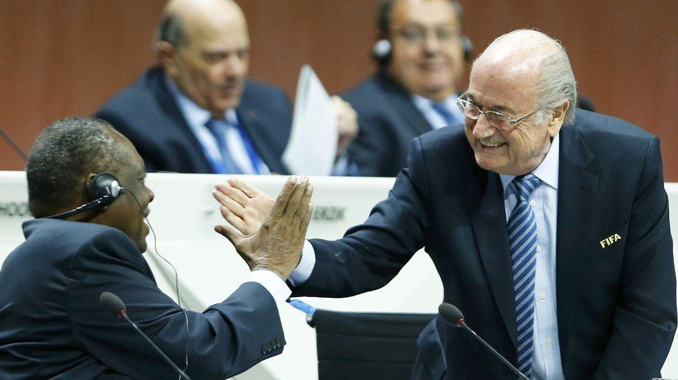 Blatter dimite como presidente de la FIFA.Nicolás Maduro en su programa  En contacto con Maduro