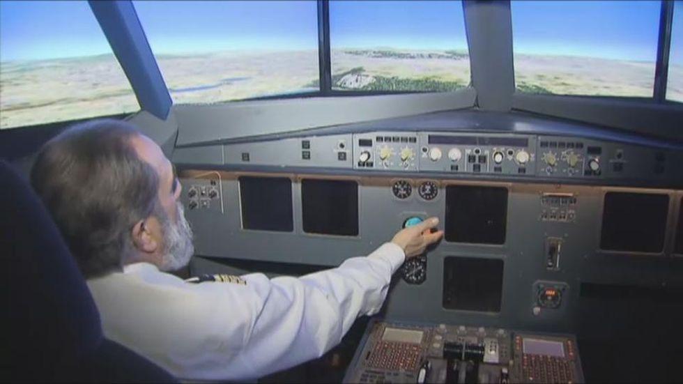 «Creí que era una pesadilla» dice el técnico de vuelo superviviente del accidente de LAMIA.La camiseta del Oviedo con una cita en honor a los miembros del Chapecoense fallecidos esta semana
