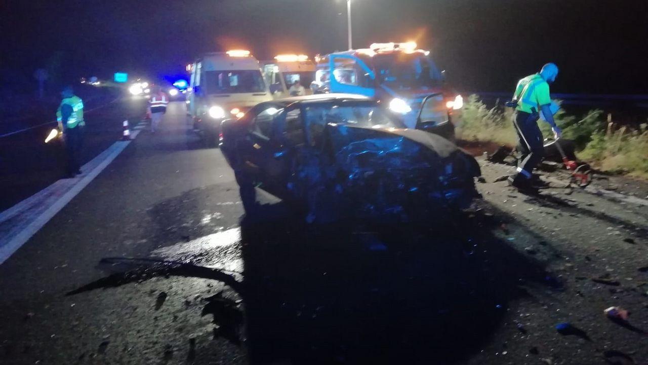 ÚLTIMA MUERTE EN GALICIA La foto es del coche de un conductor que iba en sentido contrario y que murió el pasado junio al estrellarsae contra otro coche en la A-6, en Coirós