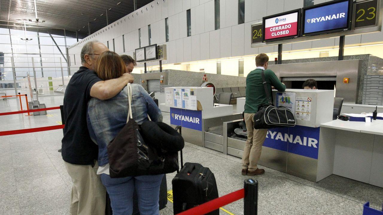 «Tener tres aeropuertos compitiendo entre sí y Oporto al lado no ayuda».Un avión de Vueling