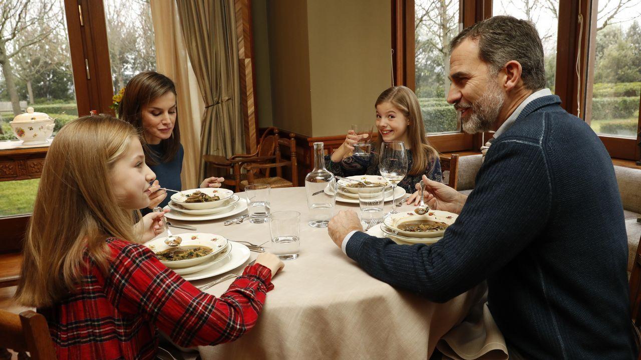 «¿Qué hay para cenar?»: Las imágenes nunca vistas de la familia real