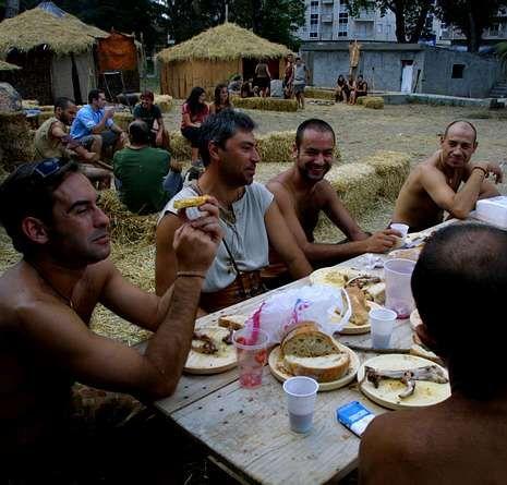 Festa do Esquecemento en Xinzo.Tras un año de parón, el campamento vuelve a abrir sus puertas.