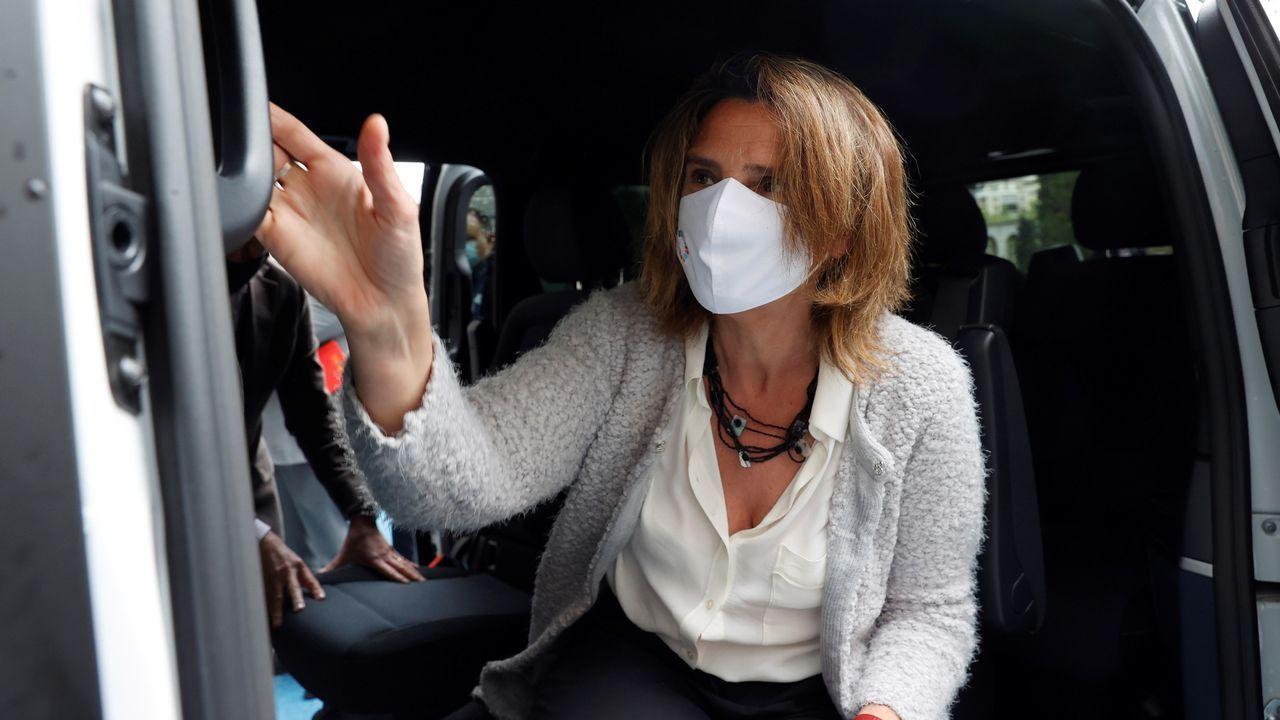 La odisea de cargar un coche eléctrico.La portavoz del Grupo Parlamentario Popular y presidenta del PP asturiano, Teresa Mallada