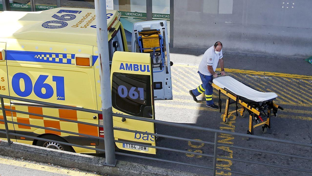 Entrada del servicio de urgencias del Hospital Montecelo, en Pontevedra, donde hubo un brote de covid que efectó a varios trabajadores
