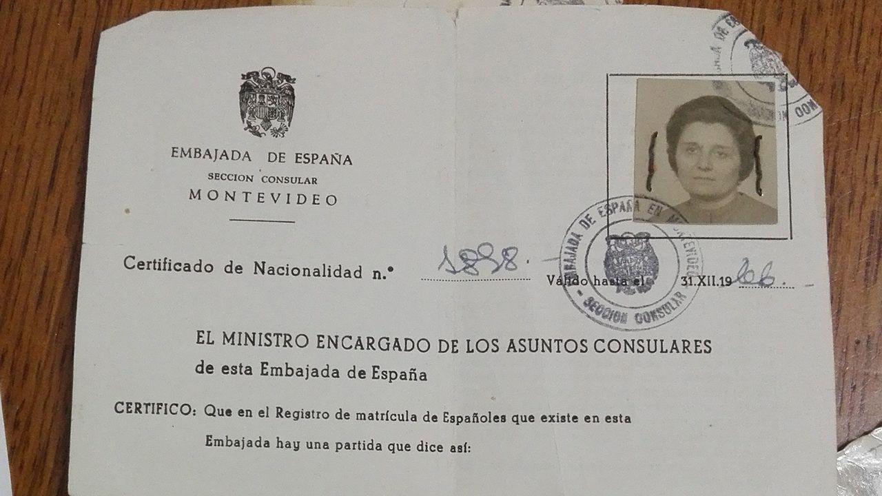 Certificado de nacionalidad de Nieves Méndez.