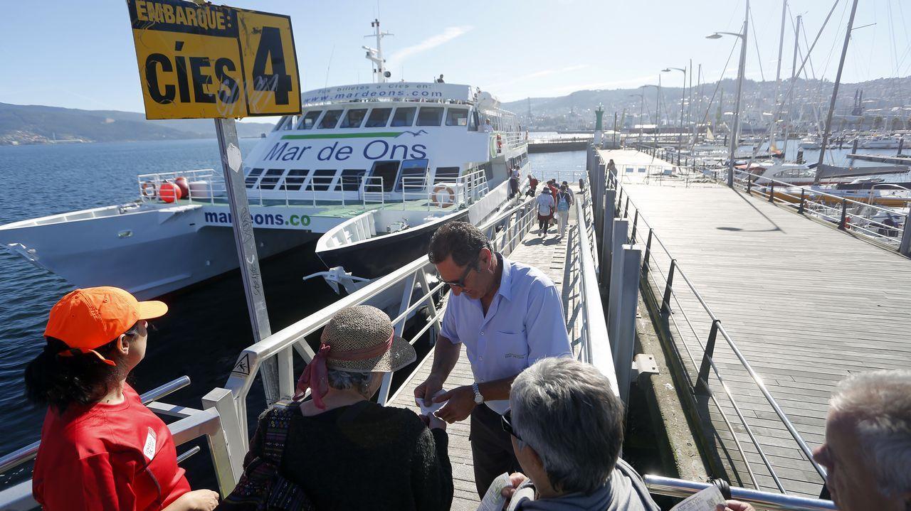 mayores, ancianos, asturianos, personas mayores, abuelos.Cíes a tope. Por primera vez en la temporada las navieras que conectan Vigo con el archipiélago han agotado los billetes -