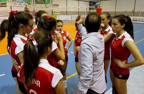 Las deportistas de A Pinguela no fueron capaces de optar a las medallas en el campeonato de España.