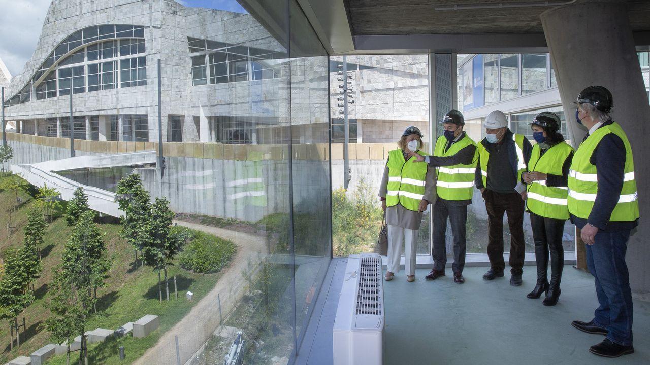 La presidenta del CSIC y el conselleiro de Cultura visitaron el edificio Fontán, donde el organismo público trasladará a los investigadores del Incipit