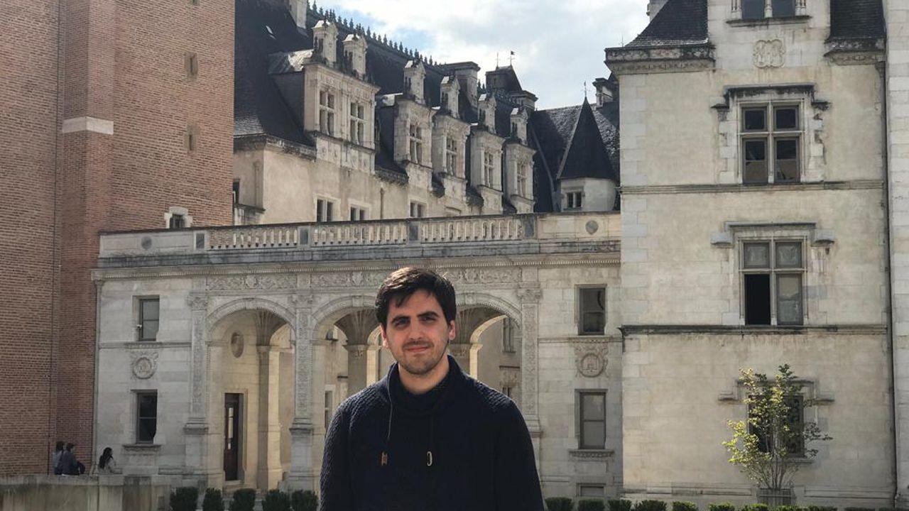 El avilesino Iván González en el castillo de Pau