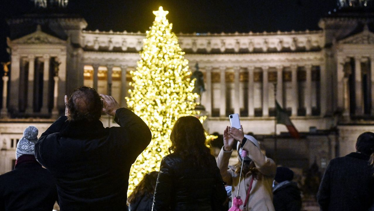 Inauguración de las luces navideñas en Roma