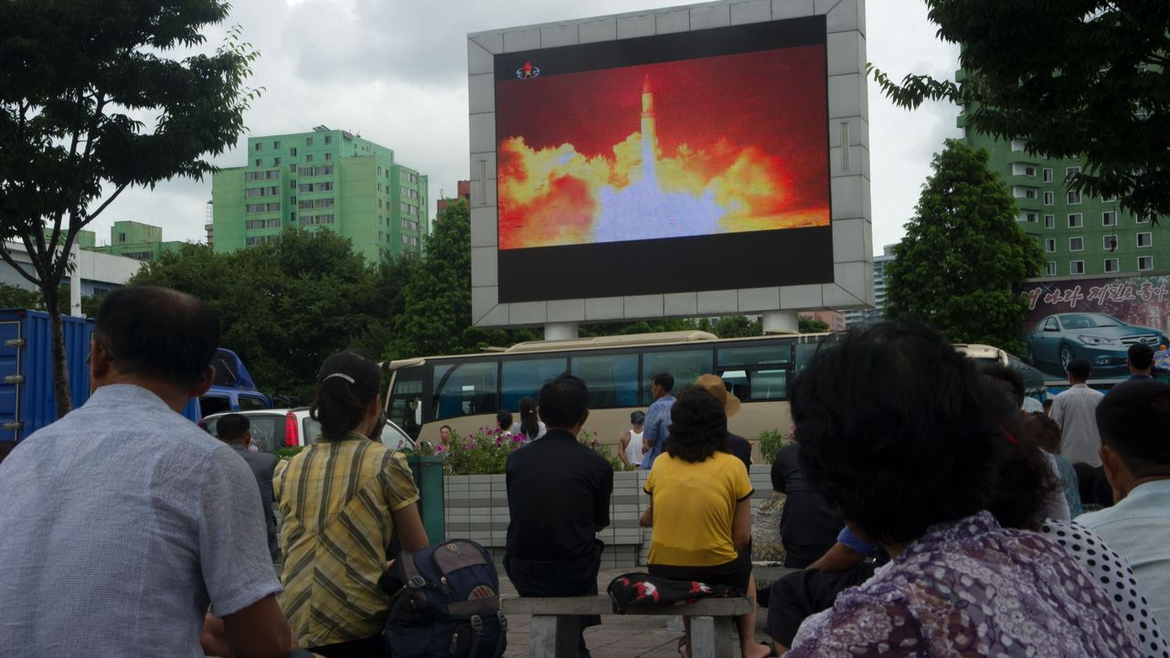 Corea del Norte lanza un nuevo misil balístico tras dos meses de inactividad.Misil lanzado por Corea del Norte