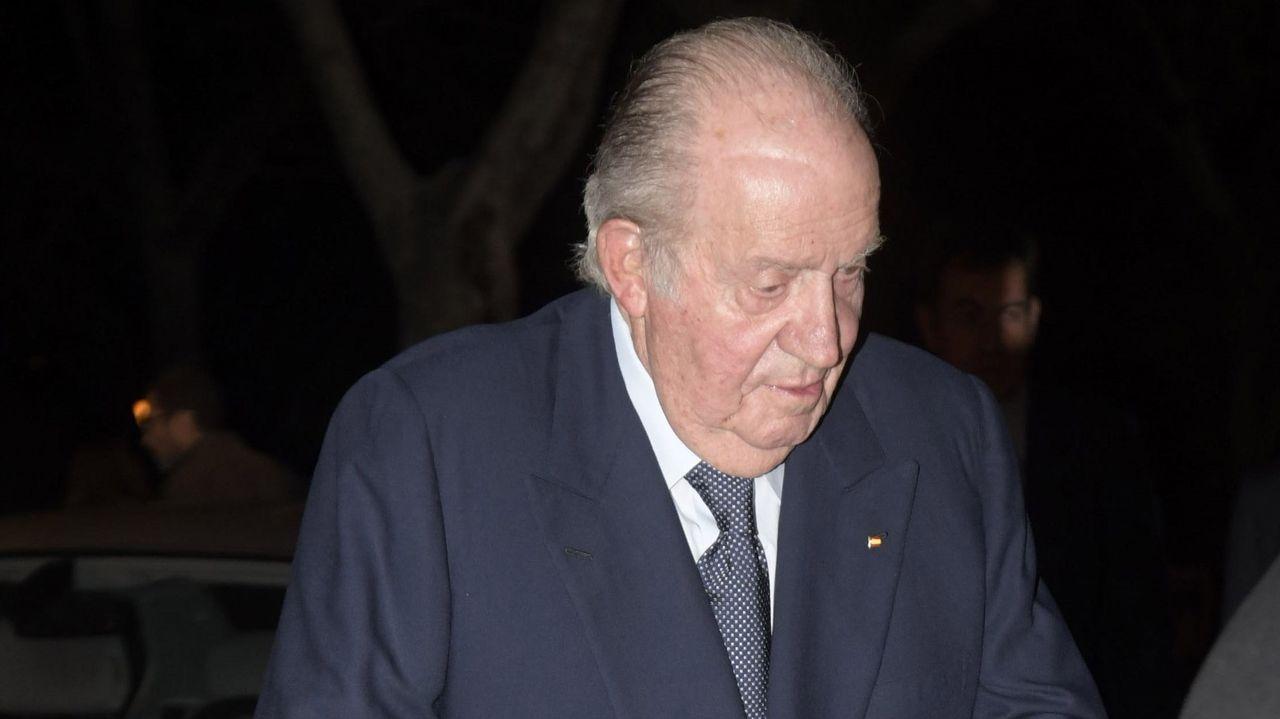 Felipe VI saluda al vicepresidente segundo del Gobierno, Pablo Iglesias, el pasado julio