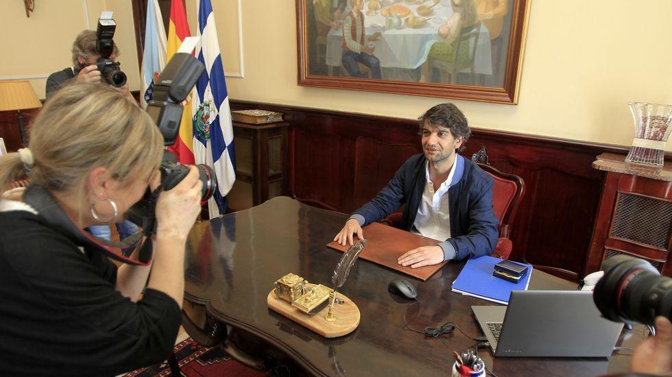 La sesión de investidura de Ferrol en imágenes.El coche oficial, que ahora permanece en la nave de servicios municipal, en una foto de archivo.