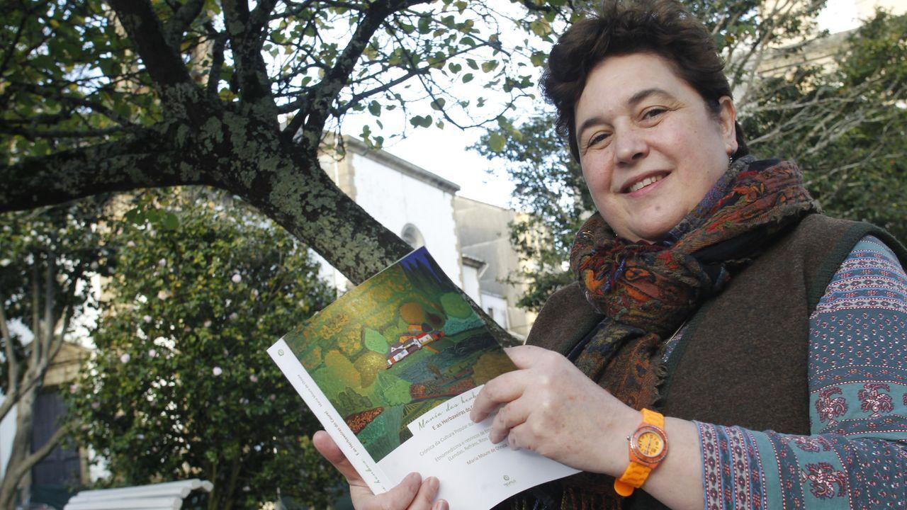 Así fue la primeranevada del otoño en el sur de Lugo.Maria Moure acaba de publicar un libro que recoge años de investigaciones sobre la flora medicinal de la sierra de O Courel