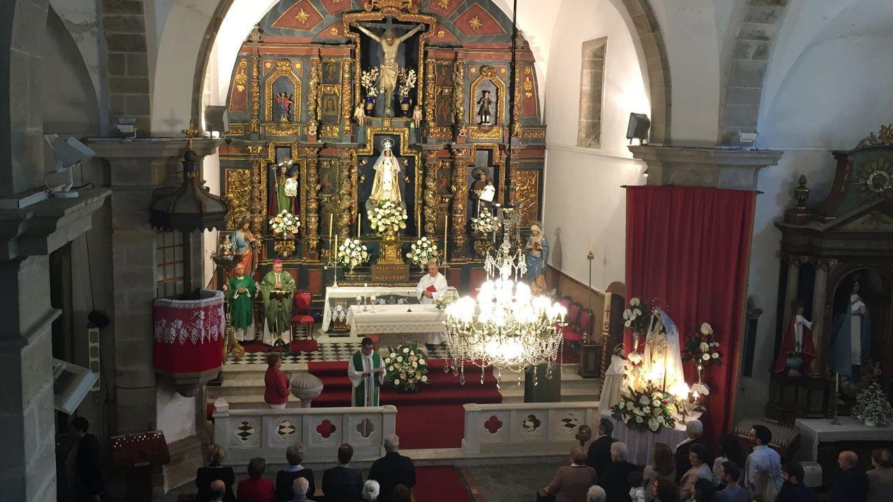 José Bello Lagüela, que sigue en activo a sus 84 años de edad, fue ordenado sacerdote en el año 1960; y tuvo su primer destino en Ferrol, en la parroquia de Las Angustias
