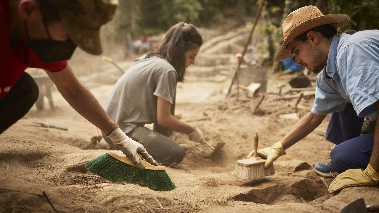 Un paseo por las fortalezas de Ourense.El equipo de Armea ha iniciado una nueva campaña de excavación