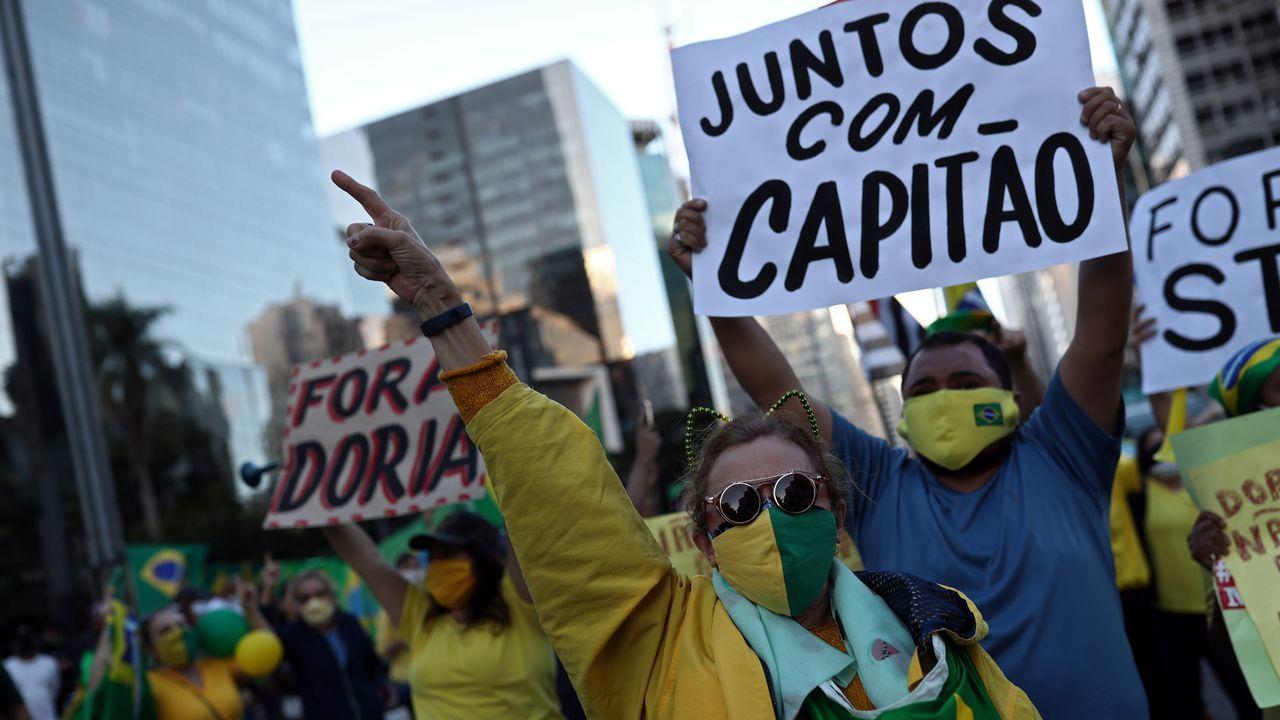 El «bolsonarismo» ha desafiado las cuarentenas e ido a las calles a reclamar la «vuelta al trabajo» en protestas que han pedido hasta el «cierre» del Supremo y el Parlamento