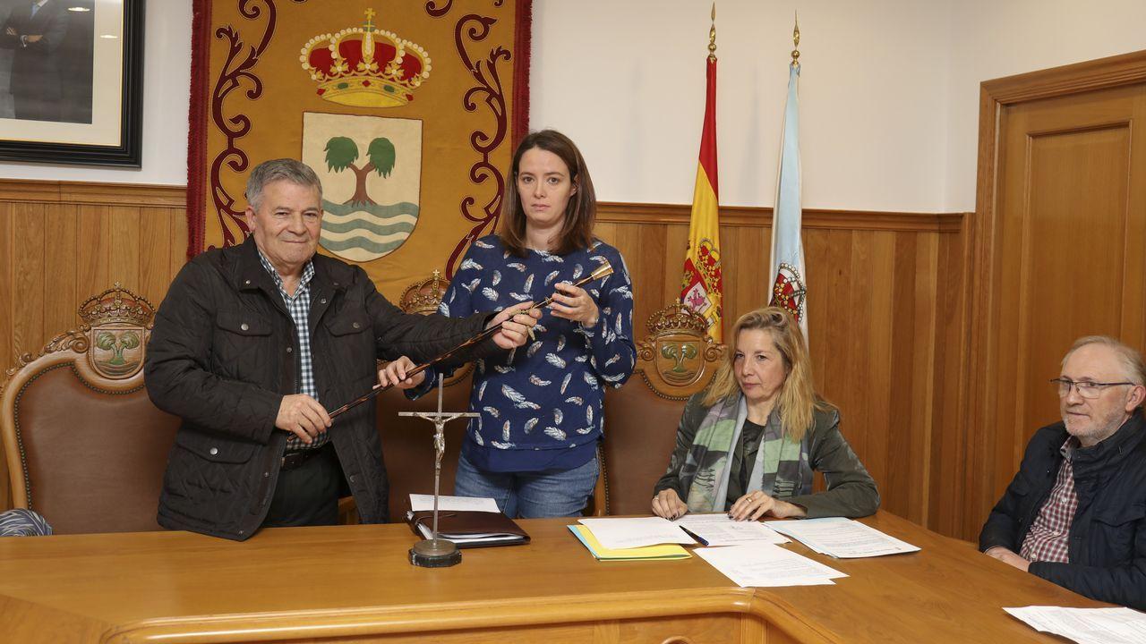 Toma de posesion nueva alcaldesa de tordoia ines santos- video.Cargos del CSIC y del sector, presentaron la semilla base.