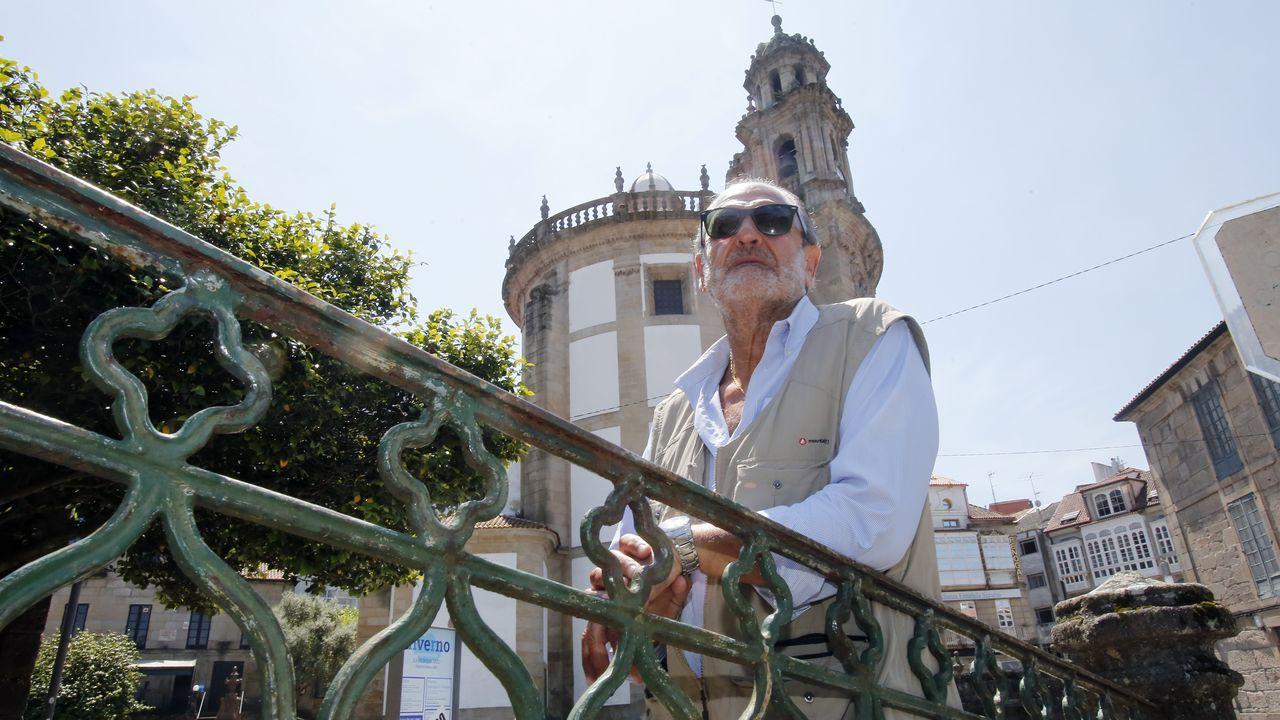 Barcelona disfruta de su cambio de fase, pero solo dentro de la ciudad.Colas para entrar a un comedor social del Raval, en el centro de Barcelona, la semana pasada