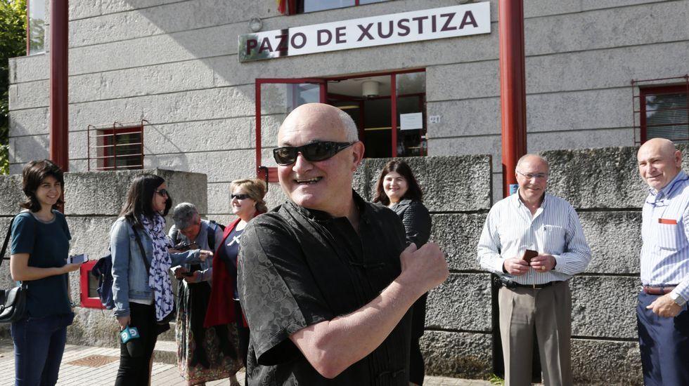 El alcalde de Boborás, Cipriano Caamaño, ante el juzgado de O Carballiño para declarar por falsedad documental