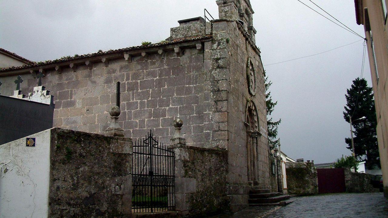 Las ruinas de la Casas Bailly en O Graxal.Begoña Sara Pena en O Casal, en el municipio de Bergondo.