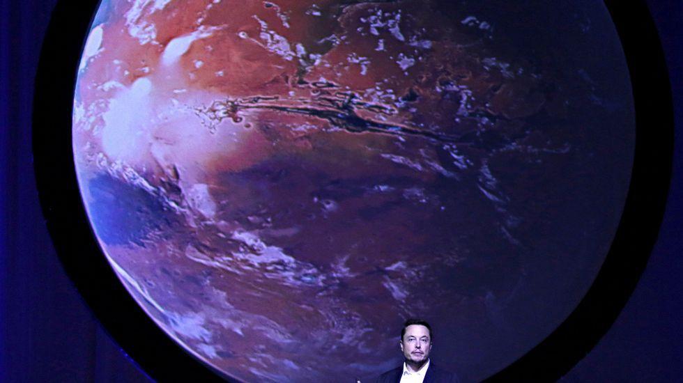 El multimillonario Elon Musk presenta su plan para colonizar Marte